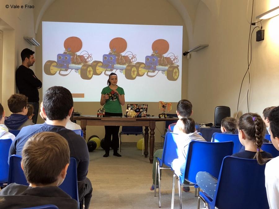Laboratori di robotica per bambini al museo di Asti suonare